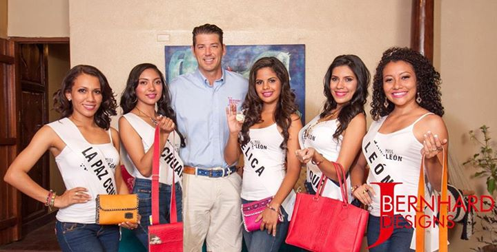 Photo of Miss Mundo and Miss Leon Repping KTC With Lazytrader