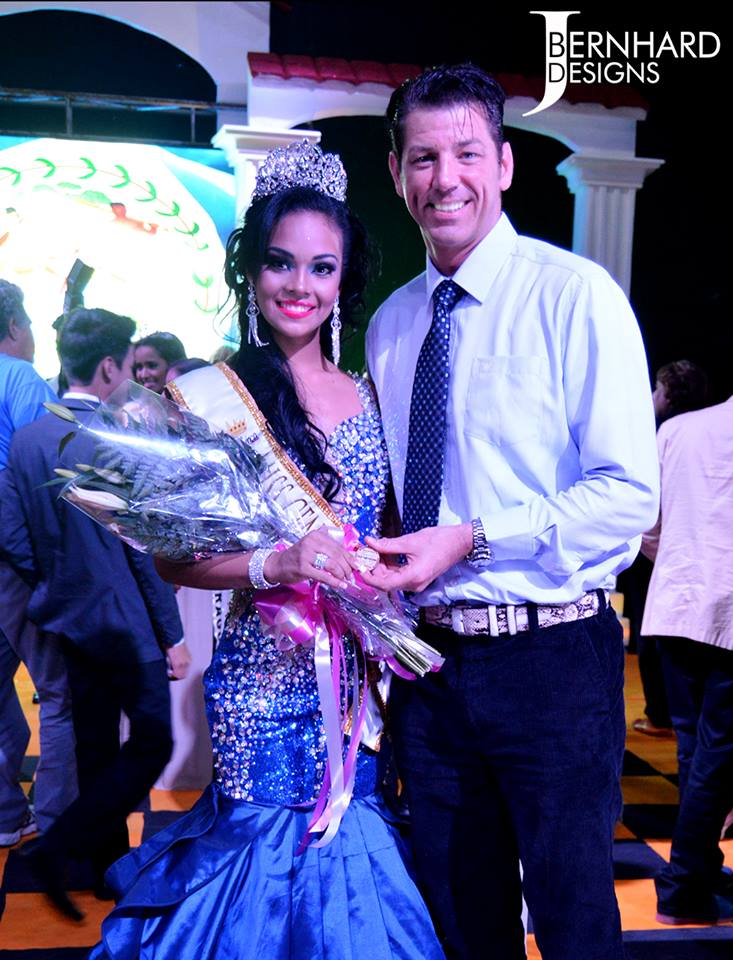 Photo of Lazytrader and Miss Central America Khadine Barria
